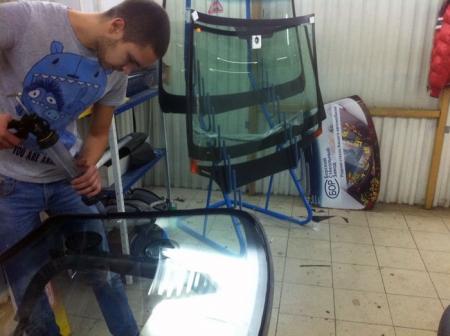 Замена лобового стекла Шевроле Ланос