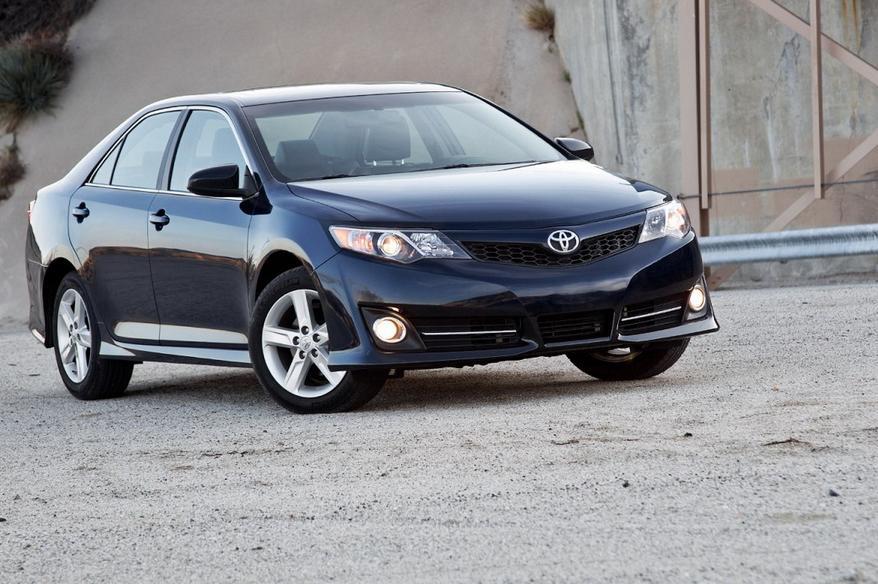Hyundai sonata vw passat chevy malibu toyota for Chevy malibu vs honda accord