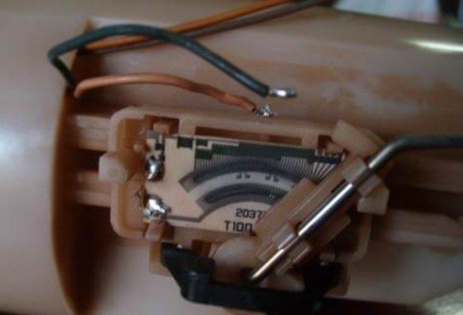 chevrolet niva не работает указатель топлива